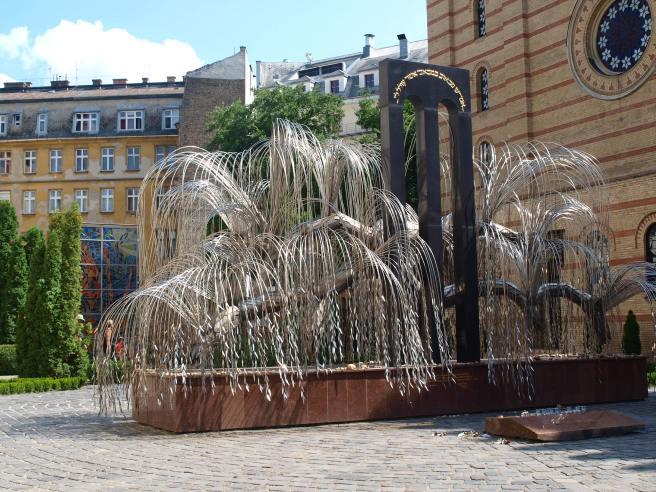 L'Albero della Memoria nel Giardino della Sinagoga